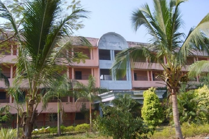 https://cache.careers360.mobi/media/colleges/social-media/media-gallery/2799/2020/11/2/Campus View of Thandra Paparaya Institute of Science and Technology Vizianagaram_Campus-View.jpg
